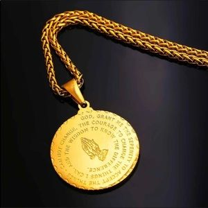 New 18K gold playing hand necklace